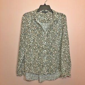 2/20$ Velvet Heart Long Sleeve Button Blouse
